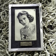 ANTIQUE Picture Frame Autograph Grace Kelly FKS516D54